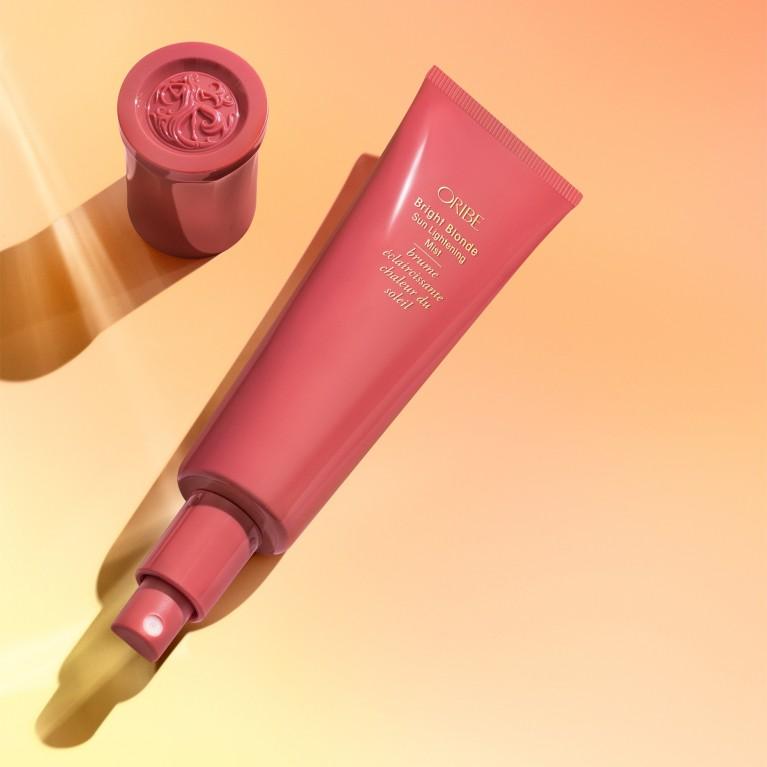 Oribe Bright Blonde Sun Lightening Mist 2 | specialios priemonės plaukams | 90 ml | Crème de la Crème