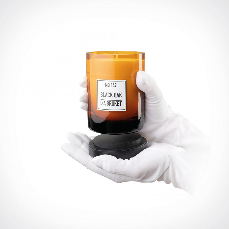 L:a Bruket Black Oak Candle | kvapioji žvakė | 260 g | Crème de la Crème