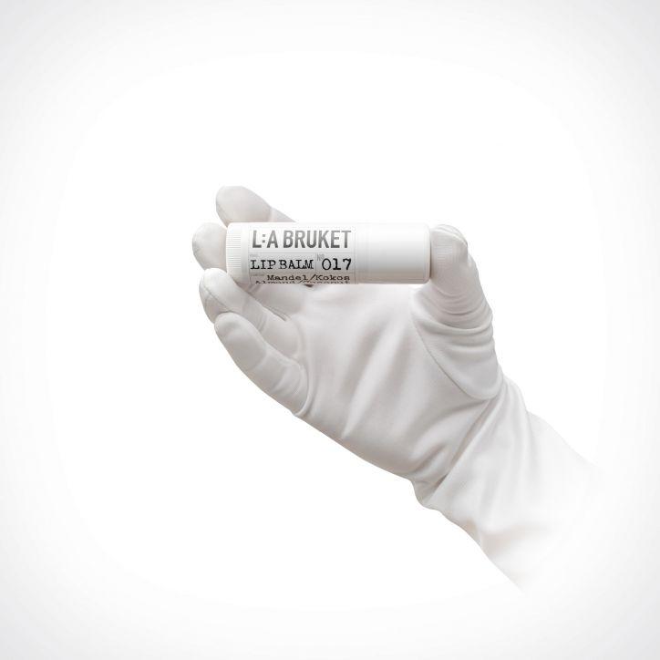 L:a Bruket Almond Coconut Lip Balm | 17 ml | Crème de la Crème